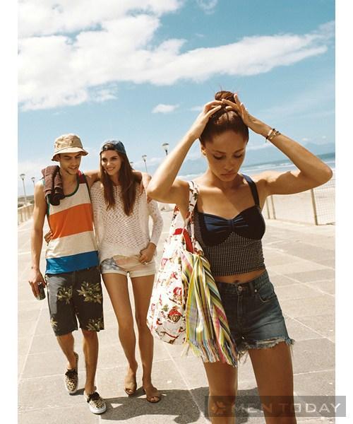 Cập nhật trang phục họa tiết từ urban outfitters