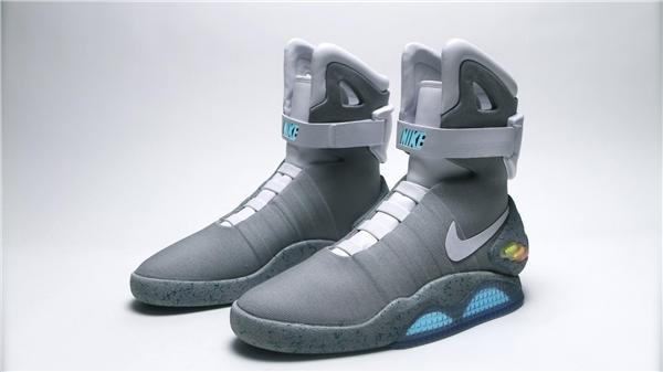 Những kiểu sneaker kinh điển chưa bao giờ lỗi thời
