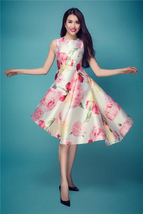 Những kiểu váy ren hot nhất hè này