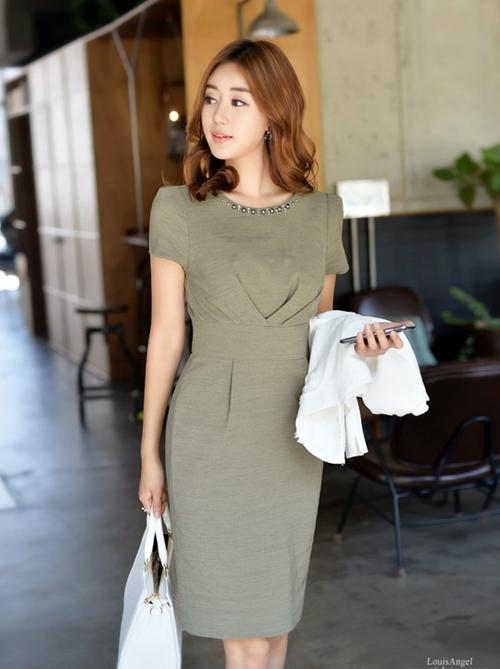 15 kiểu váy trơn đơn giản nhưng không hề nhàm chán
