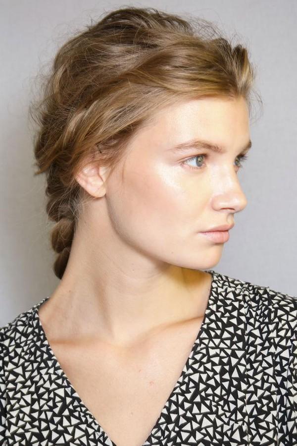 Những kiểu tóc dài đẹp nữ tính cho bạn gái xuống phố 2017