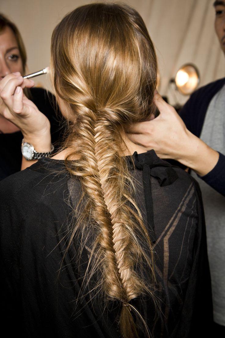 22 kiểu tóc tết xương cá lệch cho nàng kiêu sa dự tiệc