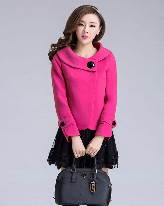 Áo khoác nữ màu hồng đẹp trang nhã những ngày thu đông