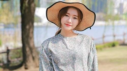 Cách chọn màu sắc trang phục phù hợp đánh tan nắng hè