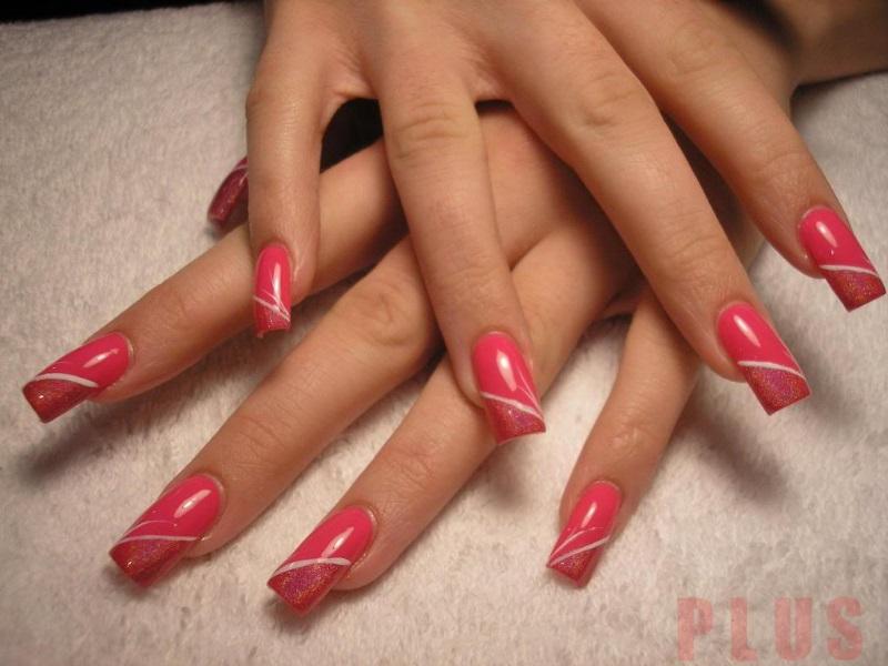 Mẫu nail màu đỏ trắng tinh tế cho nàng sang trọng