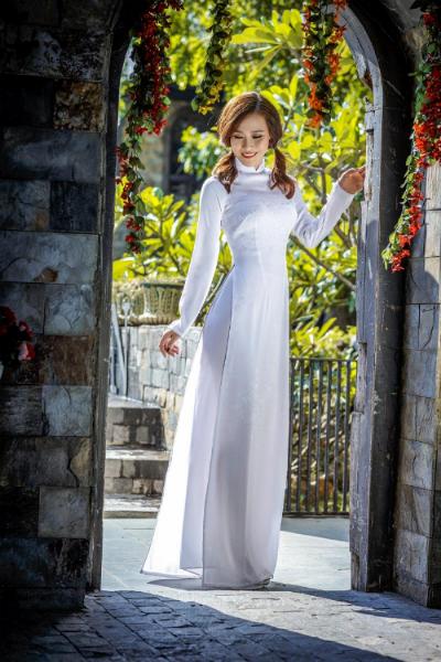 Ngắm bst áo dài nữ sinh dòng thời gian của thái tuấn