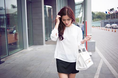 Sơ mi trắng phong cách Hàn Quốc cho nàng thanh lịch cá tính
