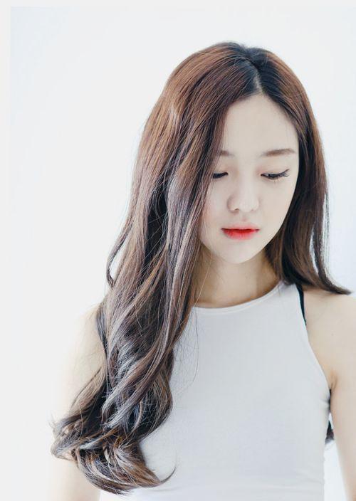Trào lưu tóc rẽ ngôi giữa ở kpop