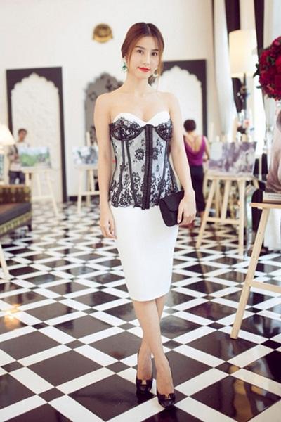 Sao việt xấu và đẹp khi diện váy áo corset
