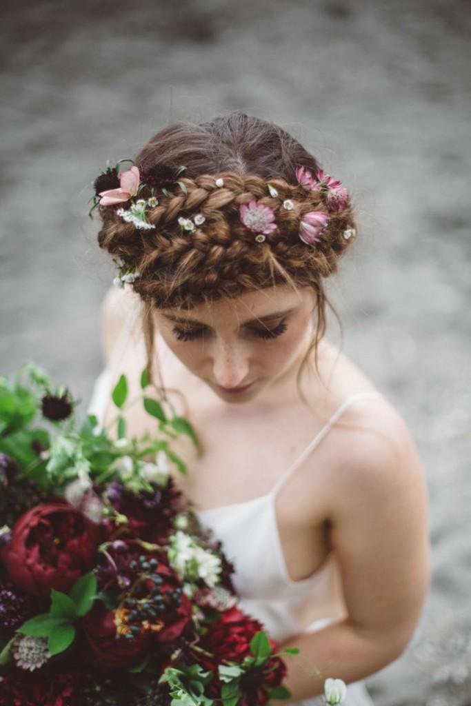 Tóc tết vương miện cho cô dâu ngày vu quy
