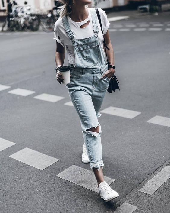 Mặc gì để diện sneaker trắng một cách tinh tế
