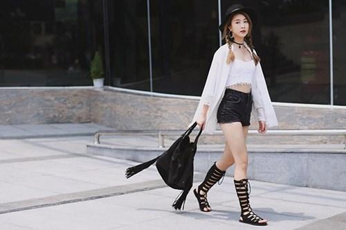 Ngọc trinh thanh hằng và những đôi giày đi vào cởi ra đầy ai oán