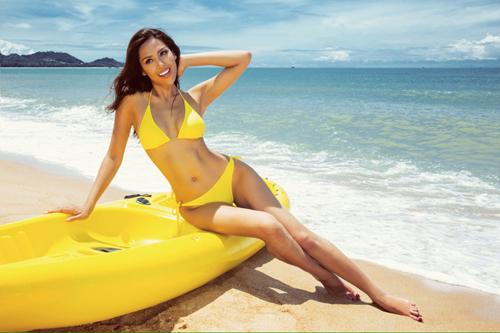 Nguyễn thị loan kheo dáng nuột với những bộ bikini rực lửa