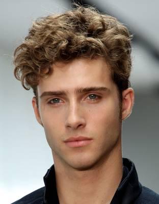 4 kiểu tóc nam ngắn thoáng mát cho chàng cá tính