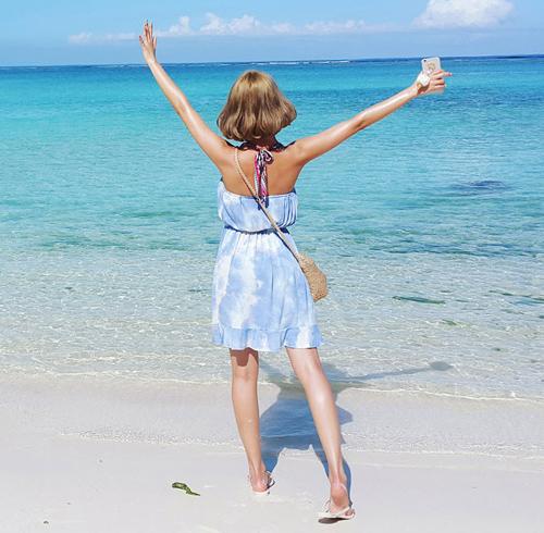 Áo choàng đi biển hứa hẹn hút hồn chị em kỳ nghỉ này
