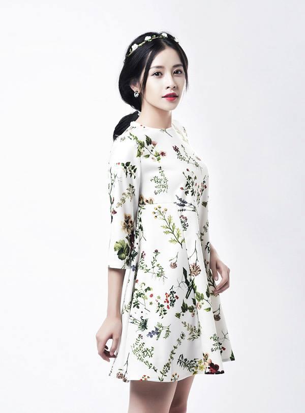 Bí quyết mặc đồ hoa xinh xắn như mỹ nhân vbiz