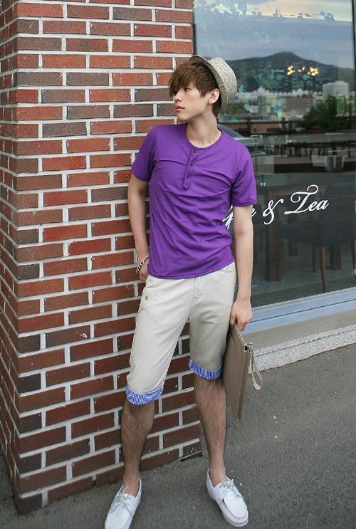 Cách phối áo thun pull nam đẹp với quần short sành điệu