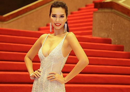 hoa hậu mỹ linh kỳ duyên trang điểm ấn tượng với tông nhạt