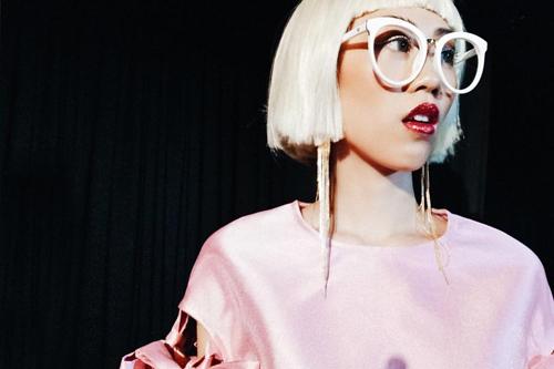 Những kiểu make-up ám ảnh trong tuần nhà thiết kế thời trang