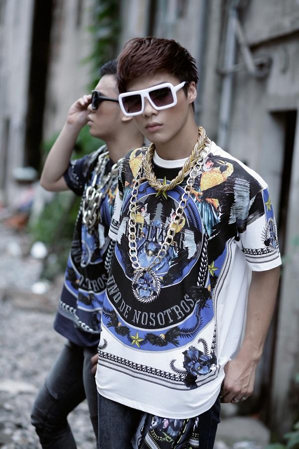 Style bụi bặm với áo thun nam họa tiết