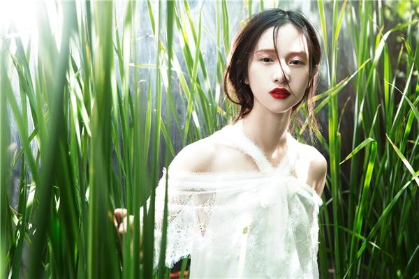 Thiên thần jun vũ diện sắc trắng đẹp mong manh