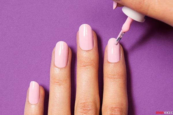 Cách làm nail họa tiết môi xinh đẹp dành cho bạn gái