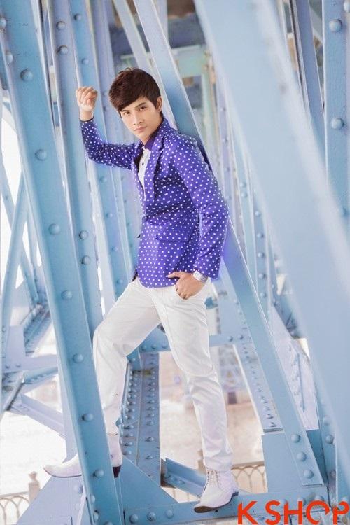 Áo vest nam sắc màu mang lại vẻ đẹp tươi mới cho chàng