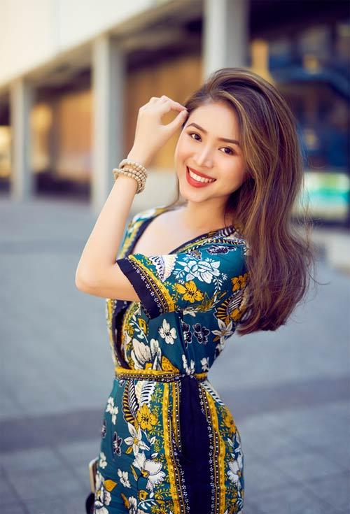 Blogger việt không chỉ xinh như hoa hậu còn mặc đẹp