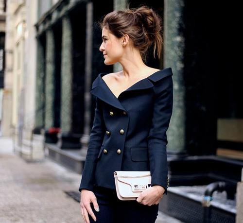 Tóc tiên hà hồ thích mê kiểu mặc áo khoác này