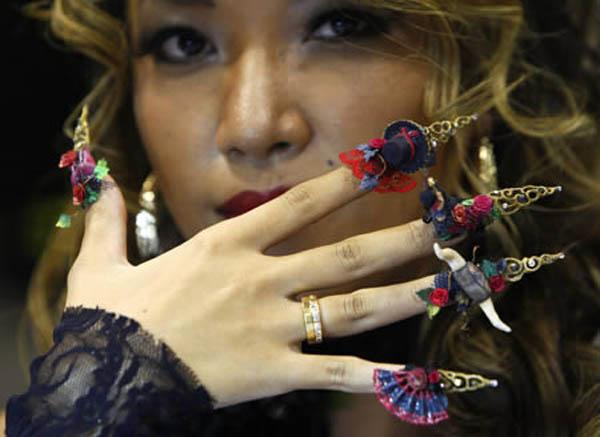 15 kiểu móng tay 3d đẹp độc lạ đầy cuốn hút cho cô nàng cá tính