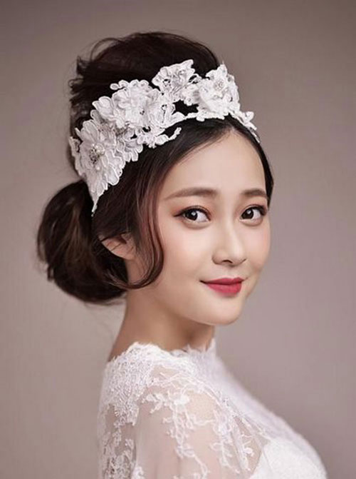 Kiểu tóc búi cao đẹp cho cô dâu quyến rũ trong ngày cưới