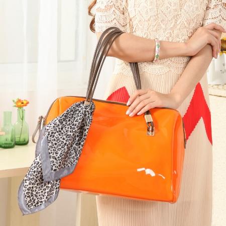 Mẫu túi xách nhựa đẹp cho nàng công sở sành điệu