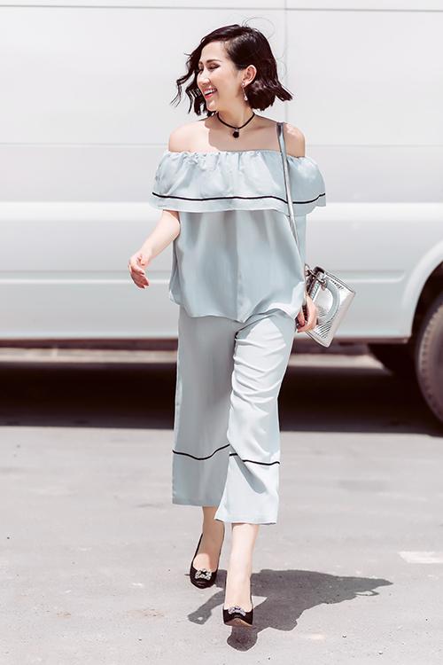 Phong cách của bà mẹ một con chân ngắn nhưng nổi tiếng sài gòn