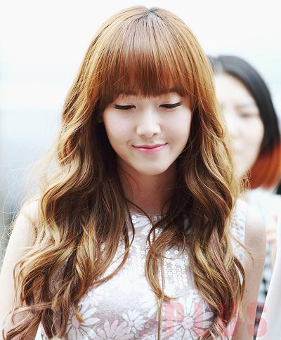 Tóc xoăn dài đẹp cho nàng sành điệu