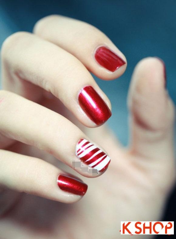 10 mẫu nail kim tuyến đẹp ấn tượng cho nàng