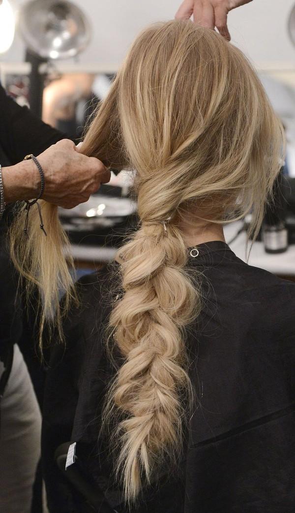 7 kiểu tóc đẹp phong cách cổ điển cho các nàng duyên dáng 2017