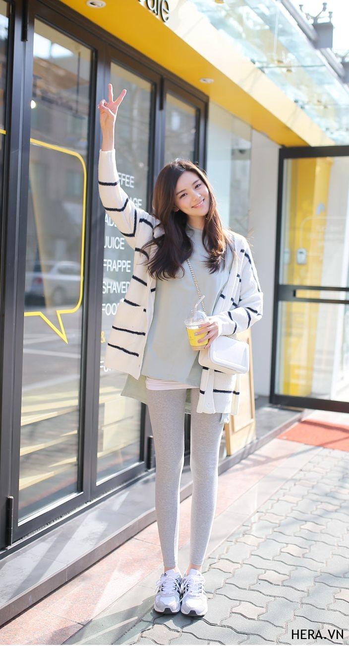 Áo khoác cardigan nữ kẻ sọc đẹp cho nàng chạy theo xu hướng