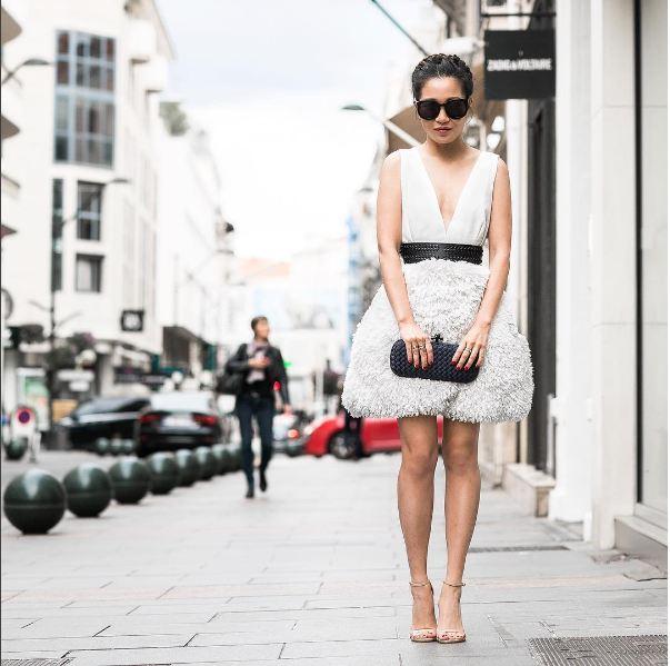 Chỉ cao 1m52 cô gái việt vẫn nổi tiếng khắp thế giới nhờ mặc đẹp