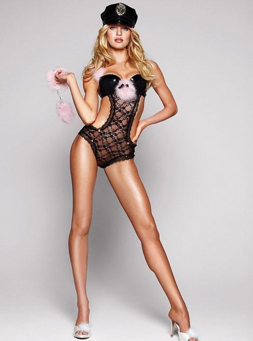 Gợi ý những mẫu đồ lót nóng bỏng dành cho nàng đêm halloween