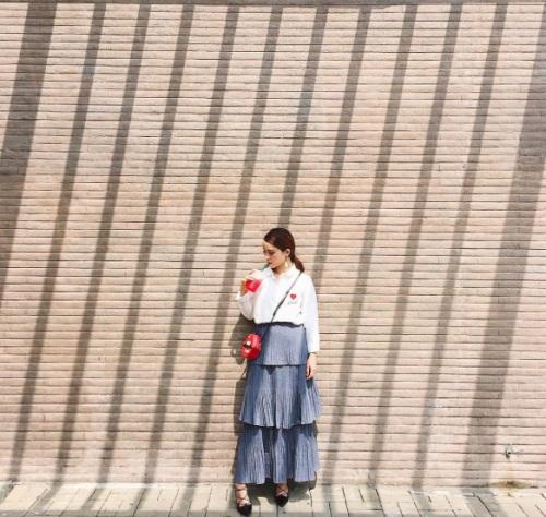 Váy xếp tầng và bản lĩnh cô nàng mặc đẹp