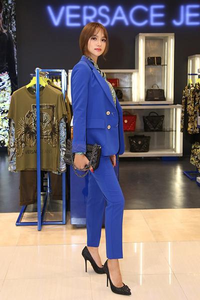 Versace jeans - thiết kế và giá trị hòa cùng nhịp thở giới sao