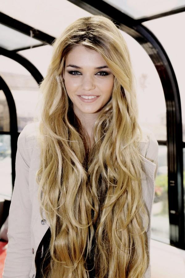 Những kiểu tóc xoăn đẹp cho bạn gái xinh xắn xuống phố hè 2018