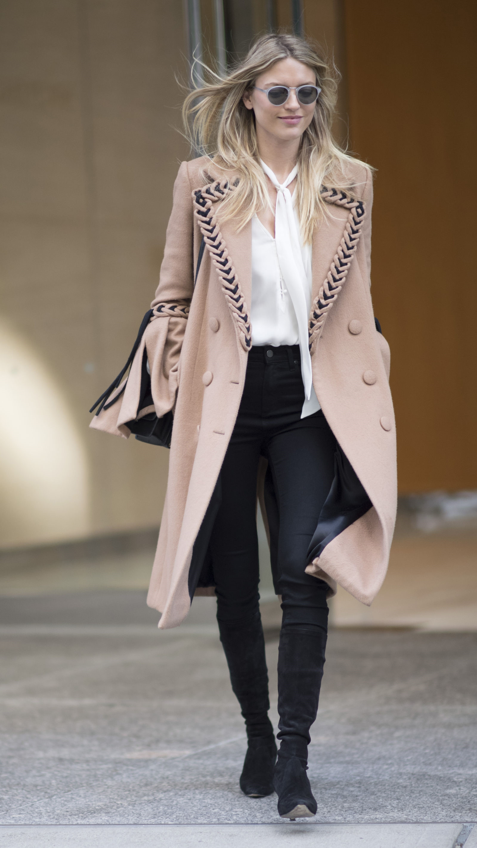 Lý do sao nào cũng chọn jacket dài cho ngày đông