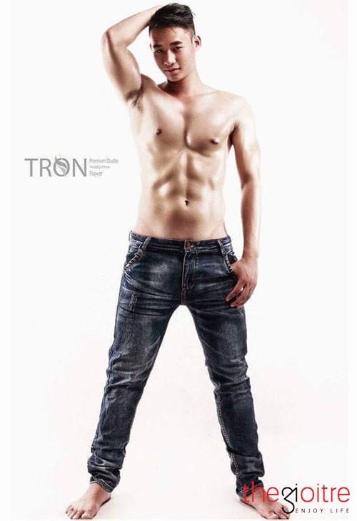 Tăng 23kg nhờ tập gym 9x đh công đoàn lột xác thành hot boy