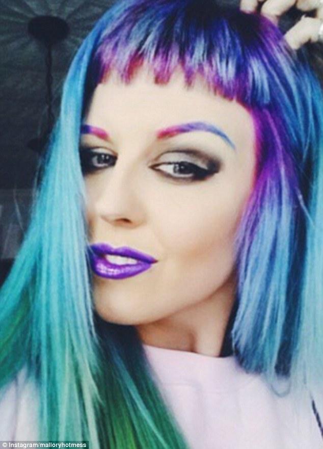 Xu hướng lông mày cầu vòng đẹp đang cực hot nhất trên mạng xã hội