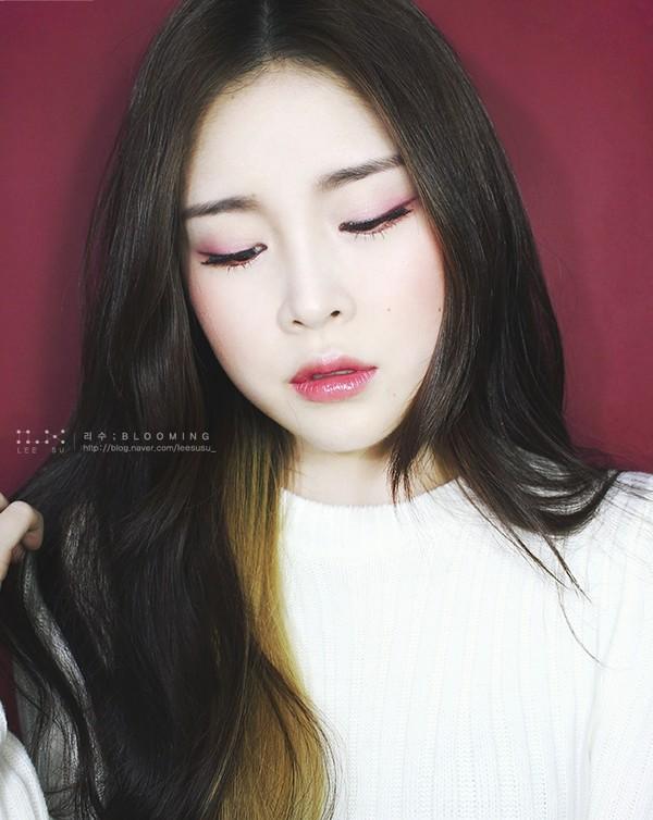 Tiết lộ 4 kiểu tô son môi đẹp tự nhiên cho bạn gái dễ thương như sao hàn