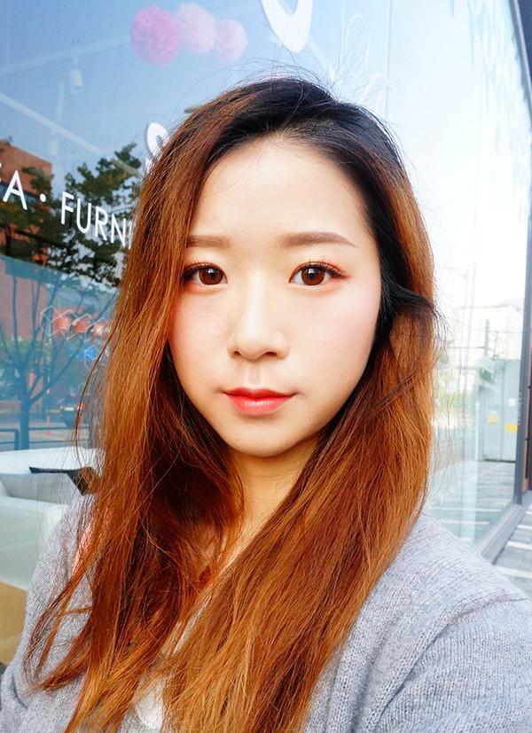 Trào lưu đánh mắt nhũ đỏ hồng ngả nâu đẹp của con gái hàn đang cực hot