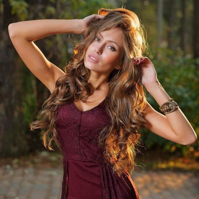 tuyệt chiêu dưỡng tóc đẹp như mơ của angelina jolie nước nga