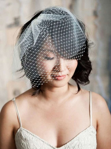5 phụ kiện giúp cô dâu tóc ngắn tỏa sáng