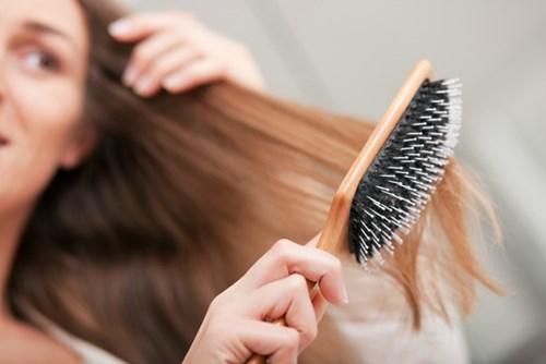 Mái tóc đẹp mềm mượt như vừa đi salon với 5 mẹo nhỏ
